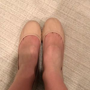 Vince Camuto nude flats - Size 10